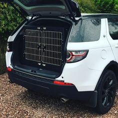 Our Land Rover Discovery Sport double compartment dog transit box complete with removable central divide & rear escape hatch as standard. @landrover #landrover #discovery #discoverysport #animaltransitboxes.