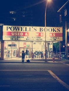 Everyone's favorite bookstore is Powell's Books in Portland, Downtown Portland Oregon, Moving To Portland, Great Places, Places Ive Been, Places To Visit, Oregon Camping, Oregon Travel, Oregon Washington, Camping Places