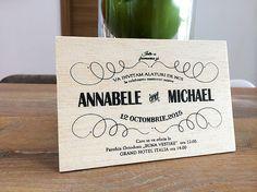 Invitatii de nunta pe lemn natural.