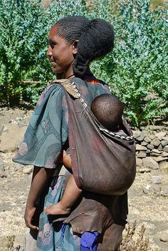 Tigray vrouw met ankalla, Ethiopia