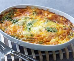 savoury impossible pie - like cheating at making quiche by the looks of it. Bisquick Recipes, Quiche Recipes, Egg Recipes, Brunch Recipes, Casserole Recipes, Cooking Recipes, Recipies, Savoury Slice, Savoury Dishes