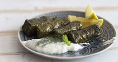 Greek Dolmades - Stuffed Grape Vine Leaves by Greek chef Akis Petretzikis. This is an extremely popular, delicious, traditional Greek dish that you will love! Greek Recipes, Italian Recipes, Greek Meals, Vegetarian Recipes, Cooking Recipes, Healthy Recipes, Greek Dolmades, Greek Appetizers, Greek Dishes