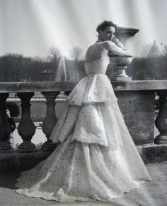 1951 Dior couture | Luxemburgo Garden, Paris