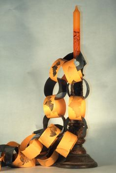 Craft Projects and Tutorials to Ensure You Have a TERRORific Halloween!: Make Halloween Paper Chain Decorations