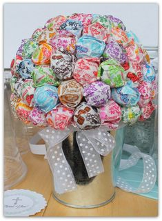 Super cool #lollipop #bouquet. #partydecor