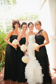 Classic and romantic black and white wedding