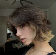Shot Hair Styles, Curly Hair Styles, Cut My Hair, Hair Cuts, Hair Inspo, Hair Inspiration, Short Grunge Hair, Short Dyed Hair, 90s Grunge Hair
