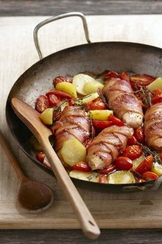 Hoenderborsies toegedraai in spek | Chicken breasts with bacon