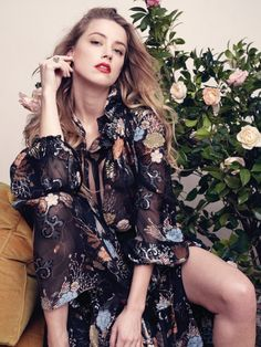 Amber Heard - Liz Collins Photoshoot for Elle Fotos Amber Heard, Amber Heard Hot, Amber Herd, Beautiful Actresses, Justice League, Blond, Beautiful People, Floral Tops, Ideias Fashion