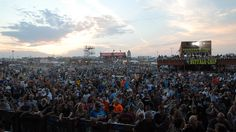 Picture of the large crowd at the Buffalo Chips pageant at Sturgis