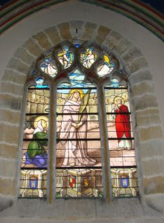 English: Stainde-glass window of St Perpetua of Carthage (church of Notre-Dame of Vierzon, France, 19th century): martyrdom of St Pepetua and her fellows in the stadium of Carthage; saint Felicity on her left  Français : Verrière de Sainte Perpétue (église Notre-Dame de Vierzon, XIXe siècle): martyre de sainte Félicité et de ses compagnons; sainte Félicité est à sa gauche.