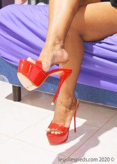 Beautiful High Heels, Gorgeous Feet, Beautiful Legs, Hot Heels, Sexy High Heels, Wendy Williams Fashion, Women Legs, Female Feet, Women's Feet