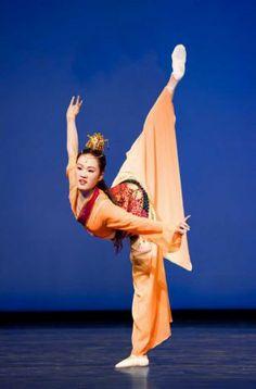 shen yun costumes -