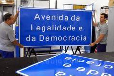 Justiça nega liminar para troca do nome da Avenida da Legalidade, em Porto Alegre +http://brml.co/1CeWwwU