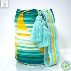 16 отметок «Нравится», 2 комментариев — Wayuu Bags &Bikini etc. (@wayuukiss) в Instagram: «Wayuu bag single thread รุ่น Susu accessories (Collection the light within) ⭕️Sold out⭕️ •ฐาน…»