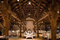 Hochzeit auf Gut Waltersteig im Münchner Süden - Roland Sulzer Fotografie Partys, Table Decorations, Blog, Events, Home Decor, Wedding, Barn, Decoration Home, Room Decor