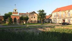 Spikaly, Village Square - typical