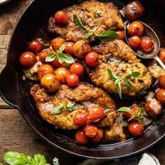 20 Minute Florentine Butter Chicken with Burst Cherry Tomatoes Skillet Chicken, Butter Chicken, Chicken Florentine, Summer Tomato, Most Delicious Recipe, Half Baked Harvest, Breaded Chicken, Cherry Tomatoes, Meals