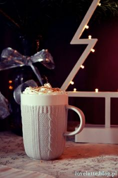 Pierniczkowa latte / gingerbread latte, przepis: http://lovelatte.blog.pl/2013/12/22/all-i-want-for-christmas-is-pierniczkowa-latte/