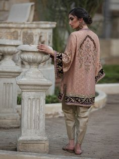 Shop the official Misha Lakhani online store for the latest wedding dresses, lehenga, bridal couture, ghagra choli, and many more. Shadi Dresses, Pakistani Formal Dresses, Pakistani Dress Design, Indian Dresses, Indian Outfits, Pakistani Fashion Party Wear, Pakistani Wedding Outfits, Pakistani Couture, Indian Fashion