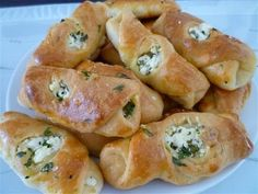Türkische Teigtaschen mit Schafskäse mal anders- Ortasi acik peynirli pogca-Türkische Rezepte - YouTube
