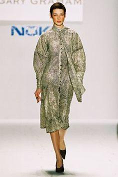 Gary Graham Fall 2002 Ready-to-Wear Fashion Show - Anne Marie