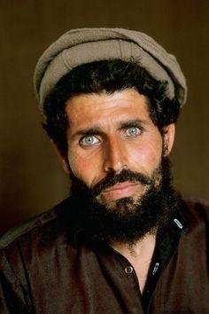 Eloquence of the Eye | taken by Steve McCurry - Peshawar, Pakistan