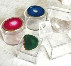 Acrylic boxes with agate and quartz