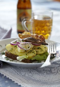 Kartoffelmad med bacon og hjemmerørt mayonnaise (smørrebrød recipe in Danish)