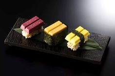 Kit Kat japan to launch the sushi-inspired products this month: tuna--raspberry chocolate sea urchin--melon with mascarpone cheese egg--pumpkin pudding rice puffs and seaweed wrap Kit Sushi, Sushi Set, Menu Sushi, Sushi Bars, Chocolate Brands, Chocolate Lovers, Kit Kat Flavors, Sushi Japan, Pumpkin Pudding