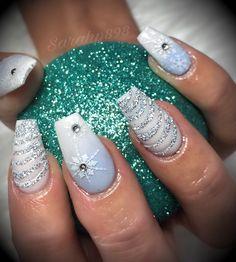 Winter Nails Designs - My Cool Nail Designs Holiday Acrylic Nails, Xmas Nails, Bling Nails, Holiday Nails, Christmas Nails, Fun Nails, Winter Nail Designs, Christmas Nail Designs, Nail Art Designs