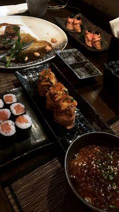 Food N, Food And Drink, Sushi, Confort Food, Tumblr Food, Snap Food, Food Snapchat, Food Goals, Aesthetic Food