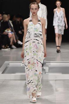 Chalayan Spring 2016 Ready-to-Wear Fashion Show