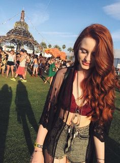 Uploaded by Find images and videos about coachella, riverdale and madelaine petsch on We Heart It - the app to get lost in what you love. Costume Noir, Madelaine Petsch, Cheryl Blossom, Beautiful Redhead, Beautiful Women, Grunge Hair, Celebs, Celebrities, Coachella