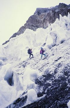 Hiking though the snowy mountains | Klaus M. Auen