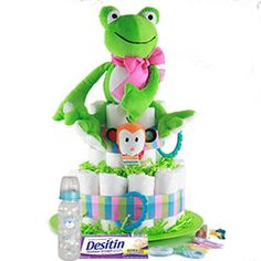 This diaper cake is perfect for the impending arrival or your little Lion or Tiger. This jungle cat themed diaper cake brings a cute aura of tiger like pride to Baby Shower Diapers, Baby Shower Favors, Baby Shower Parties, Baby Shower Gifts, Shower Party, Diaper Cake Boy, Diaper Cakes, Gender Neutral Baby Clothes, Queen