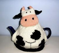 Knitting Pattern For Cow Tea Cosy : 1000+ images about Cow Stuff on Pinterest Cow print, Cow and Cow tales