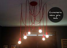 Aprenda a fazer uma luminária pendente com efeito de cascata de lâmpadas.