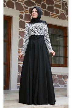 ZEHRACE TAFTA SİYAH ABİYE Muslim Fashion, Fashion Wear, Modest Fashion, Hijab Fashion, Fashion Outfits, Fashion Clothes, Muslim Evening Dresses, Black Evening Dresses, Abaya Designs