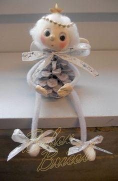 Babou Bricole: la porcelaine froide de Brigida – B… – Babou Bricole: the cold porcelain of Brigida – B … – Pine Cone Art, Pine Cone Crafts, Pine Cones, Crochet Christmas Trees, Christmas Art, Christmas Projects, Angel Crafts, Christmas Crafts, Christmas Ornaments