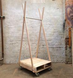 coat rack UNSTYLED.jpg (640×679)