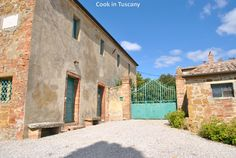 Another beautiful gate  www.cookintuscany.com    #italy #culinary #cooking #school #cookintuscany #tuscany #montefollonico #montepulciano #italy #class #schools #classes #cookery #cucina #travel #tour #trip #vacation #pienza #florence #siena #cook #tuscan #cortona #pienza #pasta #iloveitaly #allinclusive #women #underthetuscansun #wine #vineyard #church #vino #italyiloveyou