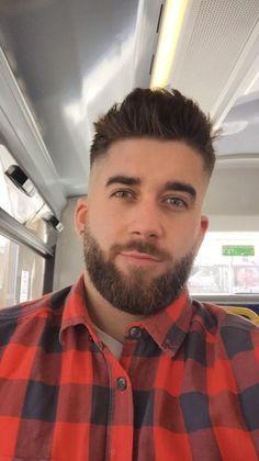 clean cut lumberjack beard