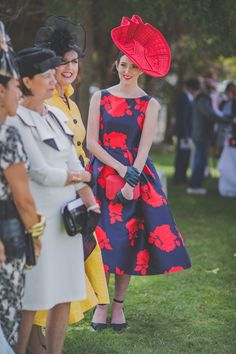 Fashions on the Field Winner 2016 - Melbourne Spring Racing - Lots of fashion and millinery. Dresses For The Races, Spring Racing, Melbourne Cup, Bucket, Photography, Beauty, Beautiful, Vintage, Fashion