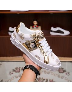 Versace tracksuits for men # 669076 - Casual Shoes Versace Shoes, Versace Fashion, Versace Men, Versace Sneakers Men, Sneakers Mode, Sneakers Fashion, Fashion Shoes For Men, Fashion Trainers, Men Sneakers