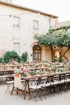 Outdoor reception with a table setting of small potted plants in the perfect color palette Fall Wedding Decorations, Flower Decorations, Table Decorations, Reception Table, Wedding Table, Autumn Inspiration, Wedding Inspiration, Fall Plants, Potted Plants
