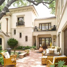 Single story spanish style courtyard house exterior and interior design spanish patio and courtyard ideas for luxury spanish house courtyard home hacienda room mediterranean house Spanish Homes For Your. Patio Design, Exterior Design, Exterior Homes, Courtyard Design, Exterior Paint, Garden Design, Courtyard Ideas, Pergola Ideas, Colonial Revival Architecture