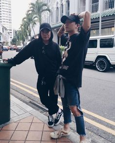 161003 G-Dragon in Singapore Bigbang Yg, Bigbang G Dragon, Daesung, Yg Entertainment, G Dragon Fashion, G Dragon Top, Creepy Pictures, Choi Seung Hyun, Ji Yong