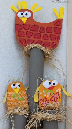 Home decorations - Site toutpetitrien! Easter Art, Easter Crafts, Diy And Crafts, Crafts For Kids, Arts And Crafts, Farm Projects, Projects To Try, Emoji Images, Spring Books