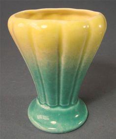 Shabby vntage/retro art deco 50s green/yellow ceramic vase Diana Pottery V-18
